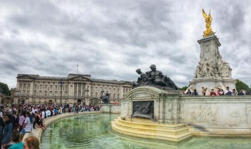 Victoria Memorial fountain