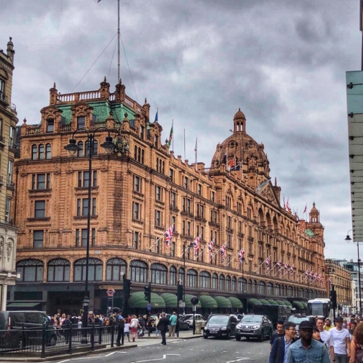Harrod's on the way to Kensington